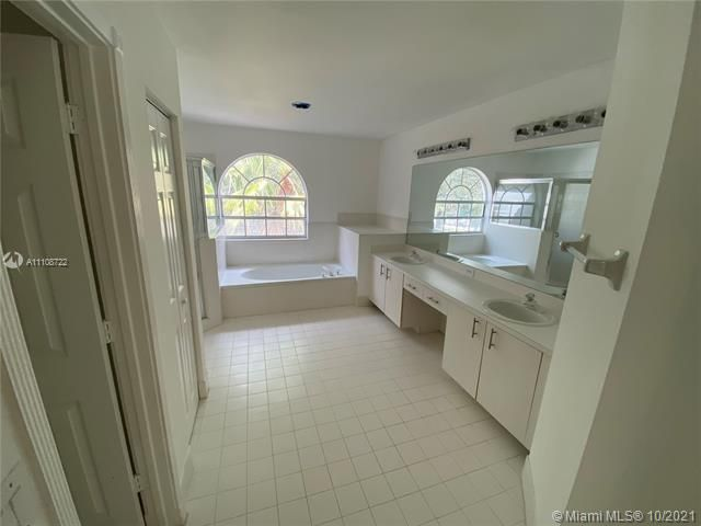 Winston Park Sec 2-a for Sale - 5534 NW 41st Ter, Coconut Creek 33073, photo 18 of 22