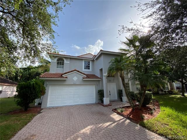 Winston Park Sec 2-a for Sale - 5534 NW 41st Ter, Coconut Creek 33073, photo 3 of 22