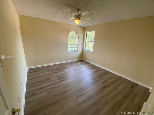 Winston Park Sec 2-a for Sale - 5534 NW 41st Ter, Coconut Creek 33073, photo 8 of 22