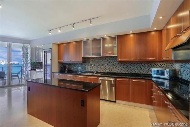 Ocean Palms for Sale - 3101 S Ocean Dr, Unit 2703, Hollywood 33019, photo 15 of 28