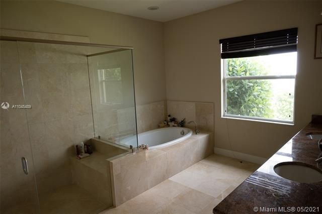 Heron Bay for Sale - 11994 NW 79th Ct, Parkland 33076, photo 25 of 44