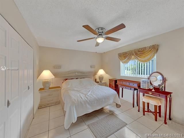 Paradise Gardens Sec 2 for Sale - 1470 NW 67th Ter, Margate 33063, photo 10 of 32