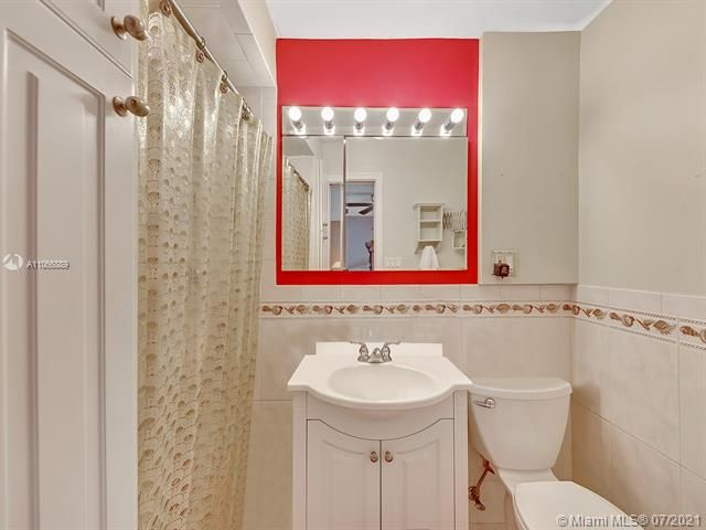 Paradise Gardens Sec 2 for Sale - 1470 NW 67th Ter, Margate 33063, photo 12 of 32