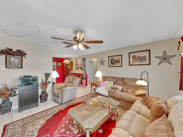 Paradise Gardens Sec 2 for Sale - 1470 NW 67th Ter, Margate 33063, photo 5 of 32