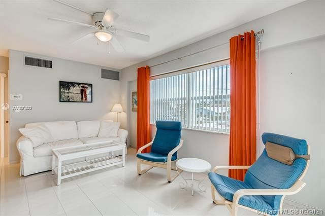 Penthouse South for Sale - 745 SE 19th Ave, Unit 228, Deerfield Beach 33441, photo 1 of 23