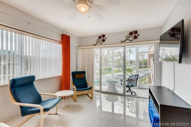 Penthouse South for Sale - 745 SE 19th Ave, Unit 228, Deerfield Beach 33441, photo 2 of 23
