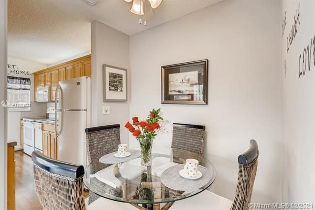 Penthouse South for Sale - 745 SE 19th Ave, Unit 228, Deerfield Beach 33441, photo 4 of 23