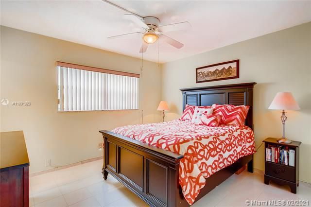 Penthouse South for Sale - 745 SE 19th Ave, Unit 228, Deerfield Beach 33441, photo 8 of 23