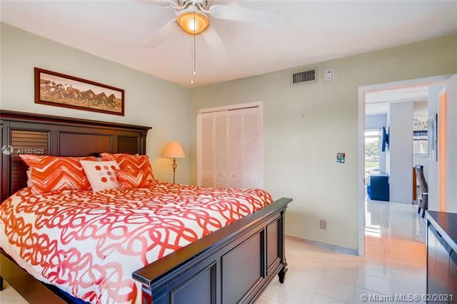 Penthouse South for Sale - 745 SE 19th Ave, Unit 228, Deerfield Beach 33441, photo 9 of 23