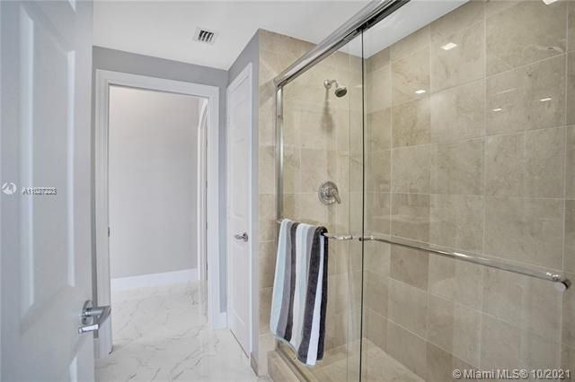 L'Hermitage for Sale - 3100 N Ocean Blvd, Unit 510, Fort Lauderdale 33308, photo 27 of 71