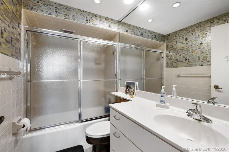 Hollywood Towers for Sale - 3111 N Ocean Dr, Unit 506, Hollywood 33019, photo 13 of 29