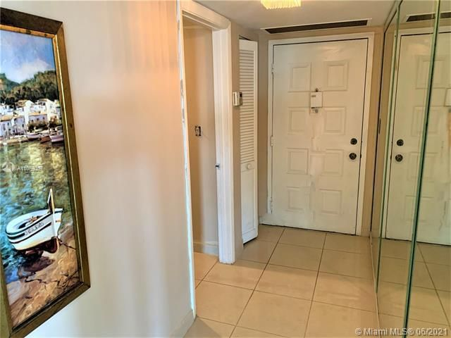 Summit for Sale - 1201 S Ocean Dr, Unit 2411S, Hollywood 33019, photo 19 of 41