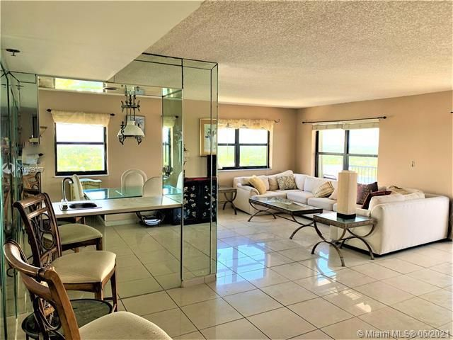 Summit for Sale - 1201 S Ocean Dr, Unit 2411S, Hollywood 33019, photo 8 of 41