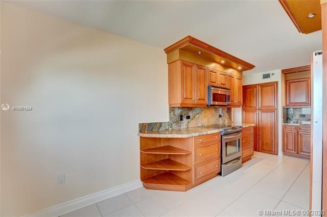 Summit for Sale - 1201 S Ocean Dr, Unit 1901S, Hollywood 33019, photo 8 of 65