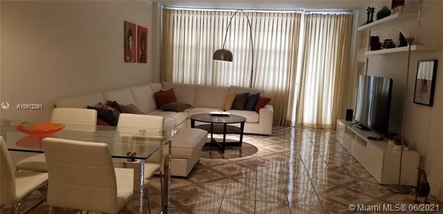 Sea Air Towers for Sale - 3725 S Ocean Dr, Unit 415, Hollywood 33019, photo 1 of 14