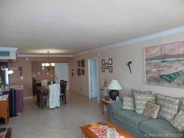 Sea Air Towers for Sale - 3725 S Ocean Dr, Unit 1116, Hollywood 33019, photo 2 of 46
