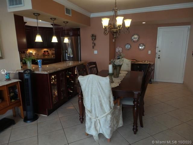 Sea Air Towers for Sale - 3725 S Ocean Dr, Unit 1116, Hollywood 33019, photo 31 of 46