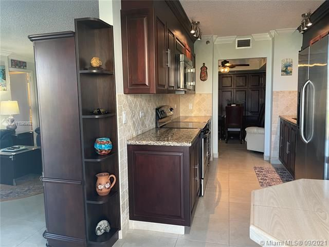Summit for Sale - 1201 S Ocean Dr, Unit 210N, Hollywood 33019, photo 10 of 40