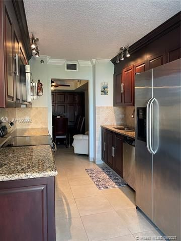 Summit for Sale - 1201 S Ocean Dr, Unit 210N, Hollywood 33019, photo 11 of 40