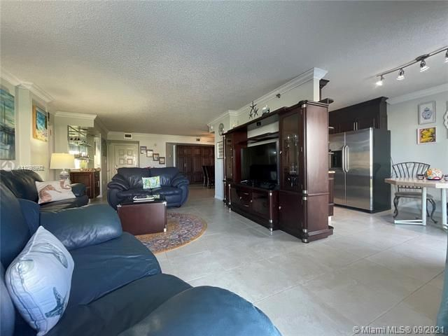 Summit for Sale - 1201 S Ocean Dr, Unit 210N, Hollywood 33019, photo 4 of 40