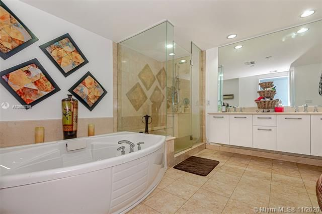 Ocean Palms for Sale - 3101 S Ocean Dr, Unit 1906, Hollywood 33019, photo 16 of 29