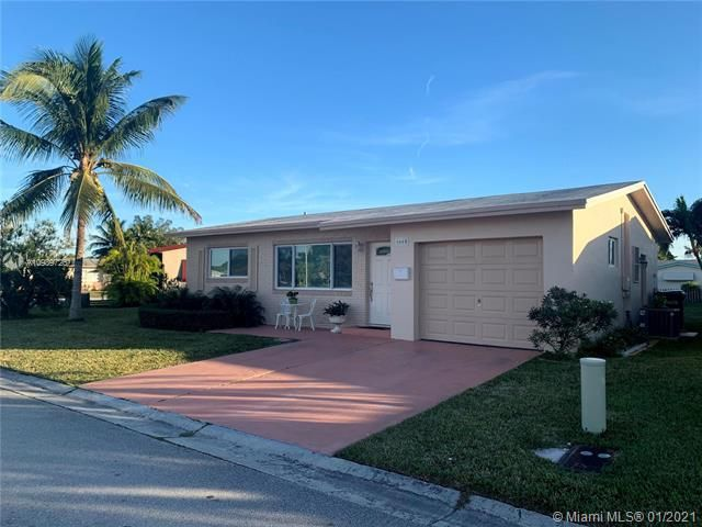 Paradise Gardens for Sale - 6660 NW 12th St, Margate 33063, photo 1 of 21