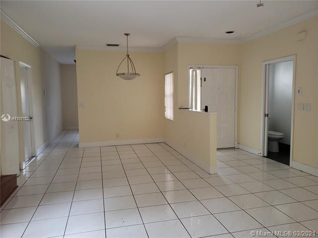 Silver Lakes At Pembroke for Sale - 17343 NW 6TH CT, Unit 17343, Pembroke Pines 33029, photo 7 of 28