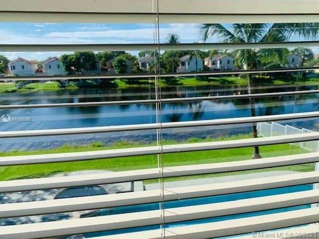Silver Lakes At Pembroke for Sale - 551 SW 181st Ave, Pembroke Pines 33029, photo 16 of 80