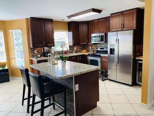 Silver Lakes At Pembroke for Sale - 551 SW 181st Ave, Pembroke Pines 33029, photo 52 of 80