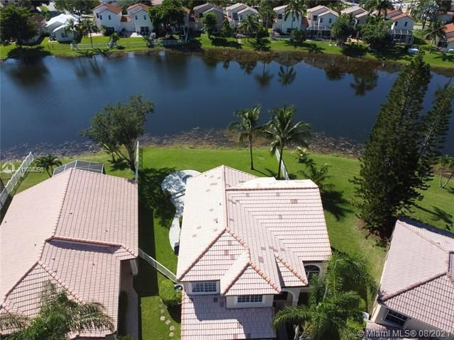 Silver Lakes At Pembroke for Sale - 551 SW 181st Ave, Pembroke Pines 33029, photo 8 of 80