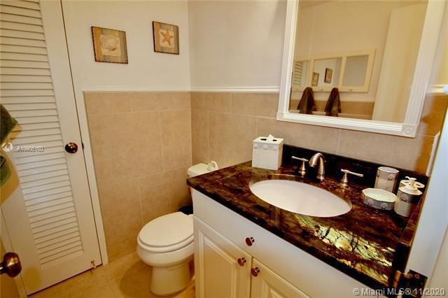 Hollywood Towers for Sale - 3111 N Ocean Dr, Unit 403, Hollywood 33019, photo 10 of 33