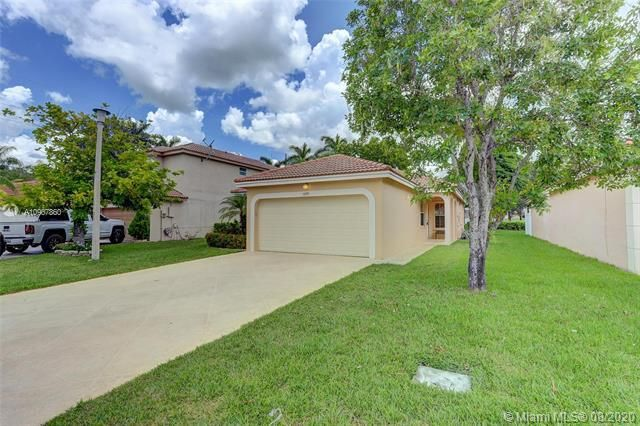 Silver Lakes At Pembroke for Sale - 18391 NW 8th St, Pembroke Pines 33029, photo 1 of 43