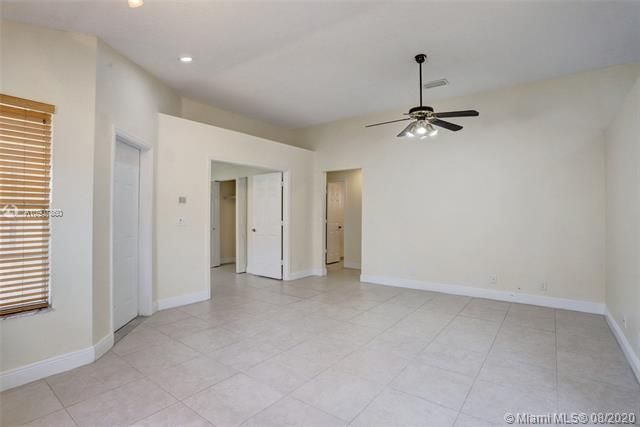 Silver Lakes At Pembroke for Sale - 18391 NW 8th St, Pembroke Pines 33029, photo 13 of 43