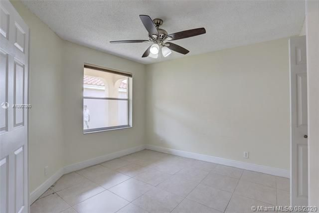 Silver Lakes At Pembroke for Sale - 18391 NW 8th St, Pembroke Pines 33029, photo 14 of 43