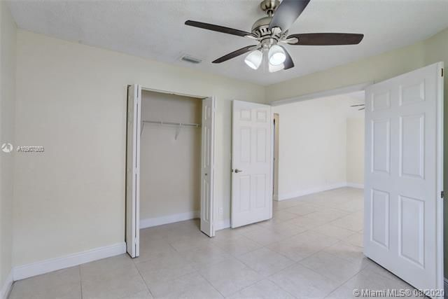 Silver Lakes At Pembroke for Sale - 18391 NW 8th St, Pembroke Pines 33029, photo 15 of 43