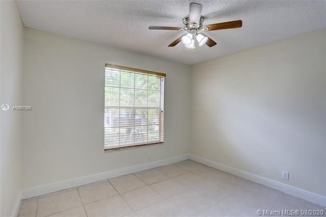Silver Lakes At Pembroke for Sale - 18391 NW 8th St, Pembroke Pines 33029, photo 17 of 43
