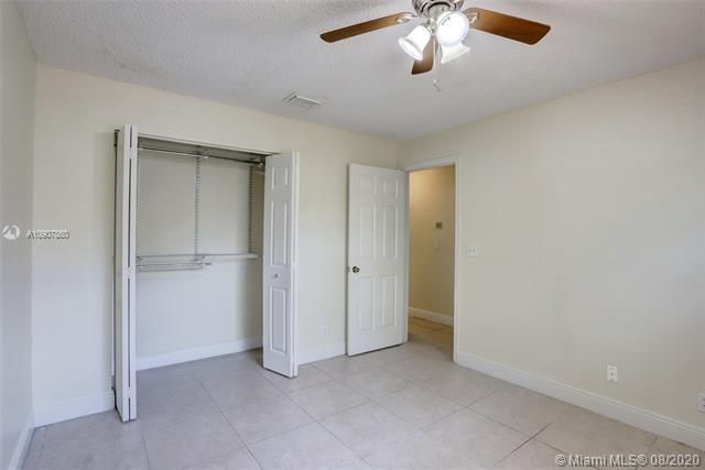 Silver Lakes At Pembroke for Sale - 18391 NW 8th St, Pembroke Pines 33029, photo 18 of 43