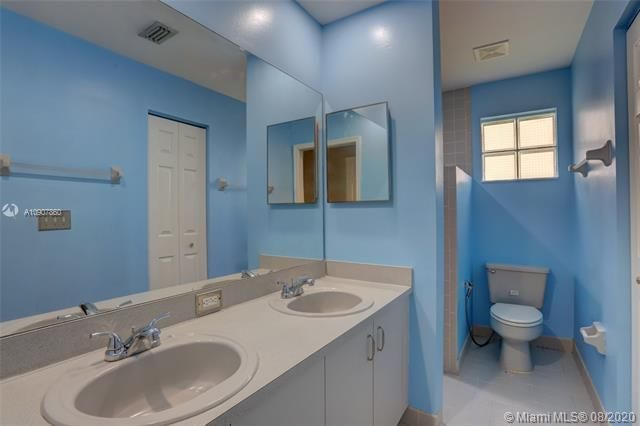 Silver Lakes At Pembroke for Sale - 18391 NW 8th St, Pembroke Pines 33029, photo 21 of 43