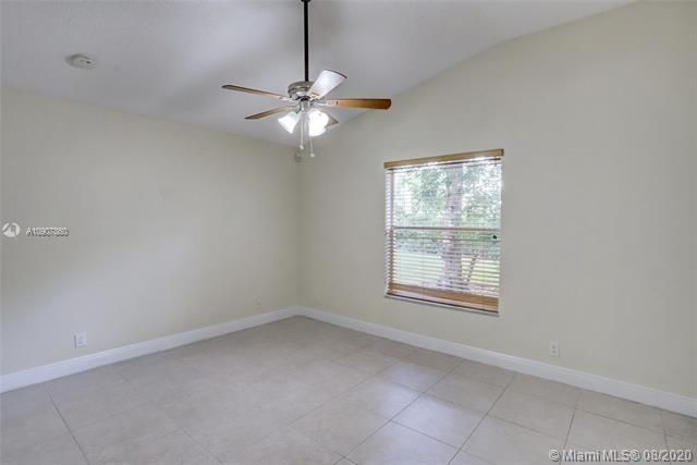 Silver Lakes At Pembroke for Sale - 18391 NW 8th St, Pembroke Pines 33029, photo 24 of 43