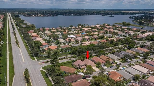 Silver Lakes At Pembroke for Sale - 18391 NW 8th St, Pembroke Pines 33029, photo 36 of 43