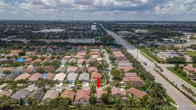 Silver Lakes At Pembroke for Sale - 18391 NW 8th St, Pembroke Pines 33029, photo 39 of 43