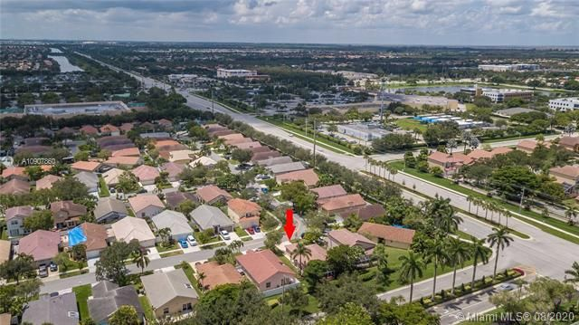 Silver Lakes At Pembroke for Sale - 18391 NW 8th St, Pembroke Pines 33029, photo 40 of 43