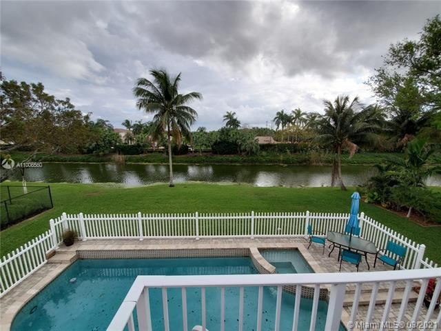 Winston Park Sec 2-a for Sale - 3910 NW 54th Ct, Coconut Creek 33073, photo 1 of 63
