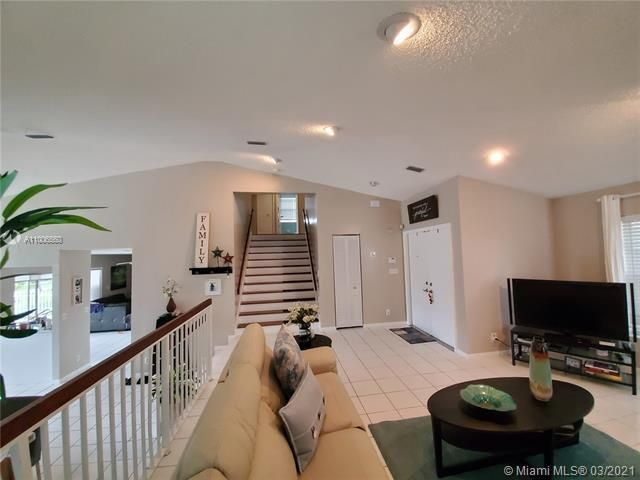 Winston Park Sec 2-a for Sale - 3910 NW 54th Ct, Coconut Creek 33073, photo 10 of 63