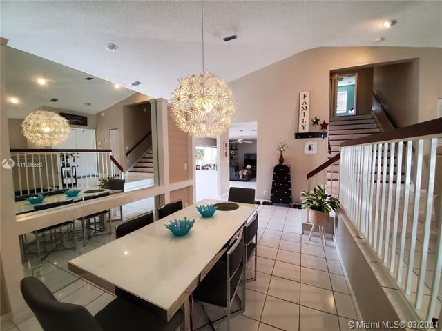 Winston Park Sec 2-a for Sale - 3910 NW 54th Ct, Coconut Creek 33073, photo 12 of 63