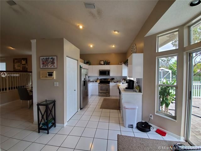 Winston Park Sec 2-a for Sale - 3910 NW 54th Ct, Coconut Creek 33073, photo 14 of 63