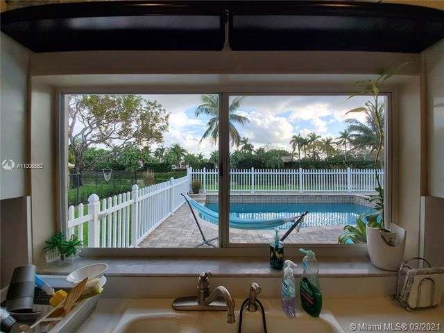 Winston Park Sec 2-a for Sale - 3910 NW 54th Ct, Coconut Creek 33073, photo 15 of 63
