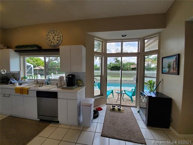 Winston Park Sec 2-a for Sale - 3910 NW 54th Ct, Coconut Creek 33073, photo 16 of 63