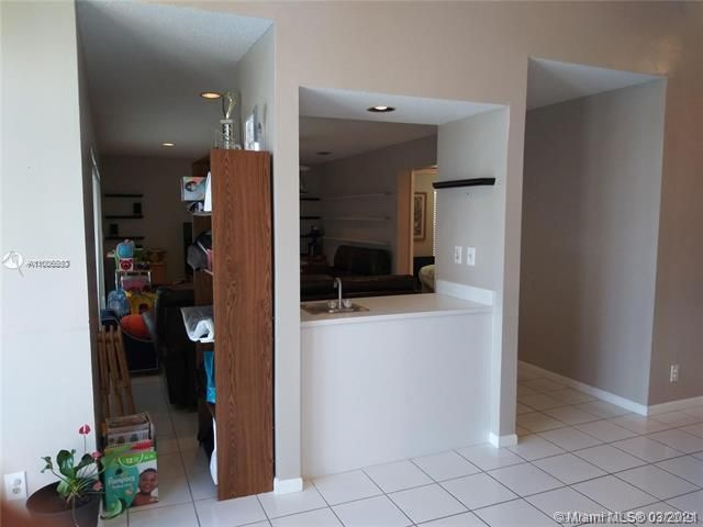Winston Park Sec 2-a for Sale - 3910 NW 54th Ct, Coconut Creek 33073, photo 18 of 63