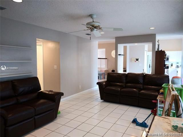 Winston Park Sec 2-a for Sale - 3910 NW 54th Ct, Coconut Creek 33073, photo 20 of 63